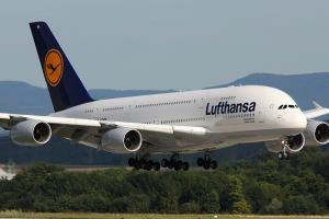 Испания: Дроны атаковали пассажирский самолёт