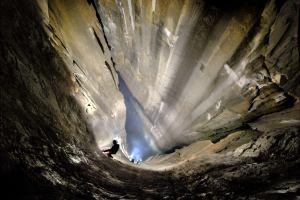 Испания: Новая вертикальная пещера найдена в Испании