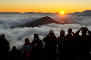 США: Гавайи продают рассвет за деньги