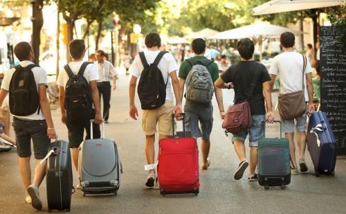 Туристы— «миллениалы» возвращаются ктрадиционным туруслугам
