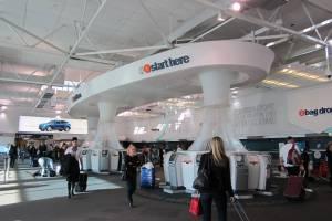 В аэропортах Новой Зеландии потребуют пароли и отпечатки пальцев от телефонов